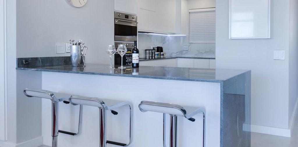 Kitchen renovation Mermaid Beach 4218